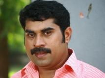https://malayalam.filmibeat.com/img/2013/11/21-suraj-venjamoodu.jpg