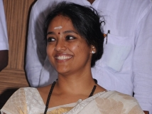 https://malayalam.filmibeat.com/img/2013/12/27-ranjitha1.jpg