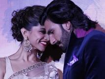 https://malayalam.filmibeat.com/img/2014/01/06-deepika-ranveer-600.jpg