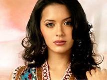 https://malayalam.filmibeat.com/img/2014/03/14-isha-sharwani-5.jpg