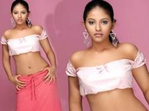 https://malayalam.filmibeat.com/img/2014/04/21-anjali-7.jpg
