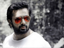 http://malayalam.filmibeat.com/img/2014/07/19-unni-mukundan-3.jpg