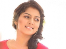http://malayalam.filmibeat.com/img/2014/09/11-anjali-aneesh-9.jpg