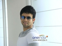 http://malayalam.filmibeat.com/img/2014/09/25-arjun-lal-6.jpg
