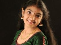 http://malayalam.filmibeat.com/img/2014/11/17-malavika.jpg