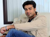 http://malayalam.filmibeat.com/img/2014/11/24-arjun-nandakumar.jpg