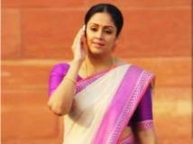 http://malayalam.filmibeat.com/img/2014/11/25-jyothika.jpg