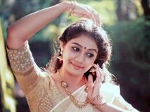 http://malayalam.filmibeat.com/img/2015/01/25-1422188625-rachana-narayanankutty.jpg