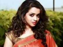 http://malayalam.filmibeat.com/img/2015/02/09-1423464998-bhavana.jpg