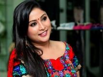 http://malayalam.filmibeat.com/img/2015/07/08-1436341651-archana.jpg