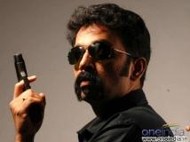 https://malayalam.filmibeat.com/img/2015/07/23-1437646368-jdchakravarthy.jpg