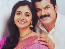 https://malayalam.filmibeat.com/img/2015/08/08-1439002565-methil-devika-mukesh-05.jpg