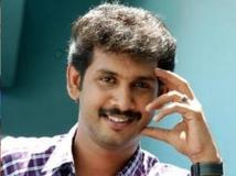 https://malayalam.filmibeat.com/img/2015/09/05-1441447497-kailash.jpg