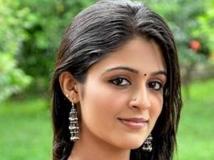 https://malayalam.filmibeat.com/img/2016/01/29-1454067244-29-malavika1.jpg