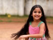 https://malayalam.filmibeat.com/img/2016/03/23-1458729842-anikha.jpg