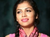 http://malayalam.filmibeat.com/img/2016/03/27-1459082235-anjali-aneesh.jpg