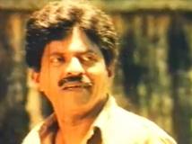 https://malayalam.filmibeat.com/img/2016/07/kuthiravattam-pappu-in-vellanakaludey-naadu-12-1468306093.jpg