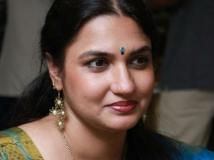 https://malayalam.filmibeat.com/img/2016/08/sukanya-02-17-1471416230.jpg