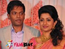 https://malayalam.filmibeat.com/img/2016/12/04-meera-jasmine-marriage-08-1481185109.jpg