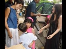 http://malayalam.filmibeat.com/img/2017/01/13-1471085264-aishwarya-rai-aaradhya-bachchan-spotted-aamir-son-azad-new-pictures-09-1483963387.jpg