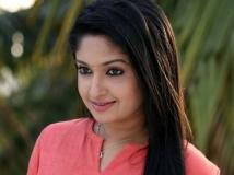 https://malayalam.filmibeat.com/img/2017/06/mithra-kurian-25-1498386259.jpg
