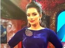 http://malayalam.filmibeat.com/img/2017/07/swhethamenon-29-1501304306.jpg
