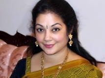 https://malayalam.filmibeat.com/img/2017/08/shanthi-krishna-30-1504094201.jpg