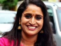https://malayalam.filmibeat.com/img/2017/10/09-1494297394-surabhi-lakshmi-05-30-1509368312.jpg