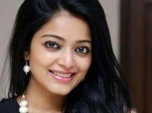 https://malayalam.filmibeat.com/img/2018/01/janani-iyer-03-04-1515056181.jpg