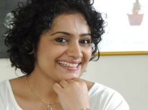 http://malayalam.filmibeat.com/img/2018/02/01-1509518687-meera-vasudevan-05-22-1511327309-1517736281.jpg