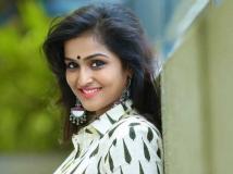 http://malayalam.filmibeat.com/img/2018/07/remya-1530794443.jpg