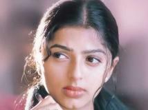 https://malayalam.filmibeat.com/img/2018/08/bhumika-chawla-01-1534848441.jpg