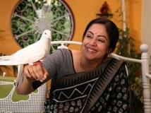 https://malayalam.filmibeat.com/img/2018/10/jyothika-1539078890.jpg