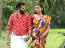 https://malayalam.filmibeat.com/img/2018/10/visheshm-1540292531.jpg