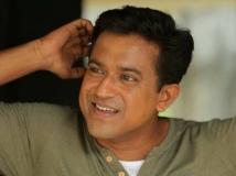 http://malayalam.filmibeat.com/img/2018/12/roopeshpeethambaranupcomingmovie-20-15005467161-1544966676.jpg