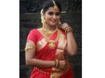 https://malayalam.filmibeat.com/img/2019/12/remya1-1576304051.jpg