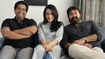 http://malayalam.filmibeat.com/img/2020/01/trisha-1580378331.jpg