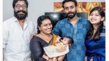 https://malayalam.filmibeat.com/img/2021/01/arjunashokanfamily-1610469088.jpg