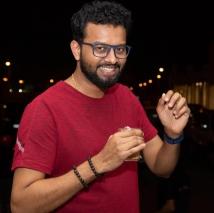 https://malayalam.filmibeat.com/img/2021/09/rj-sooraj-1631805296.jpg