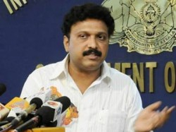 12 17 Ganesh Challenges Hooting Audience Iffk Aid0031.html