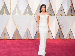 Priyanka Chopra S Bold Look At The Red Carpet Has Left Us Gasping For Breath
