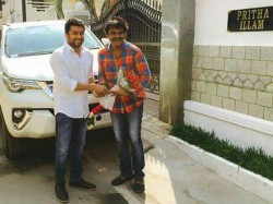 Surya Surprised Director Hari With A Gift