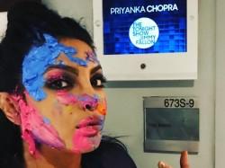 Priyanka Chopra Vs Jimmy Fallon Holi Fight Who Won