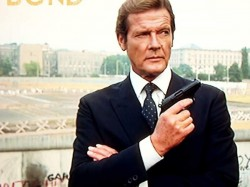 James Bond Gives Fans The Slip Roger Moore Dies At 89