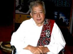 Bollywood Actor Producer Shashi Kapoor Passed Away