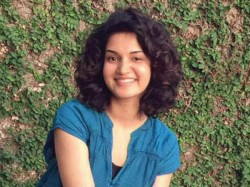 Honey Rose Says Before Mohanlal Slipping On Stage