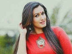 Ayalathe Sundari Actress Kavita Nair Send Sad News